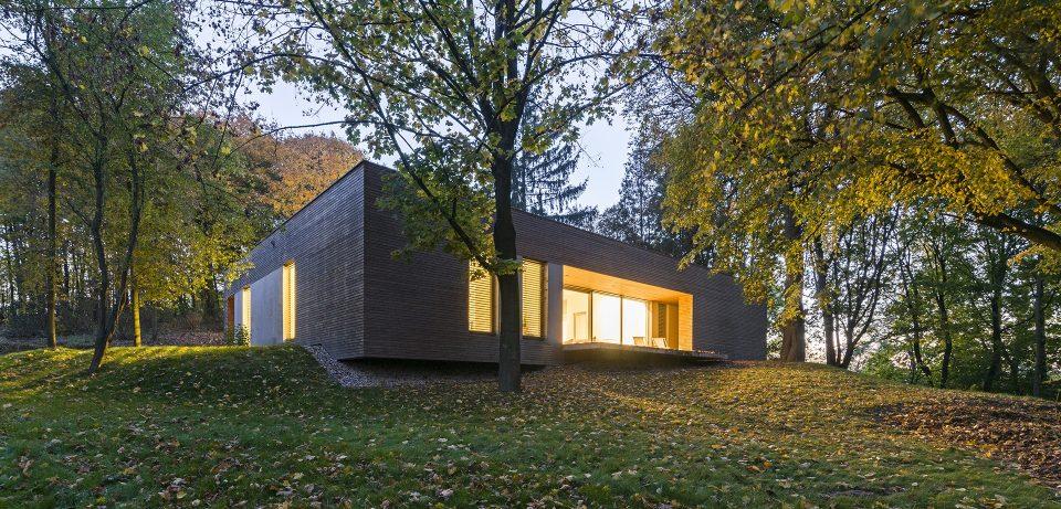 081-architekci-realizacja-dom-w-lesie -pulawy-pasek